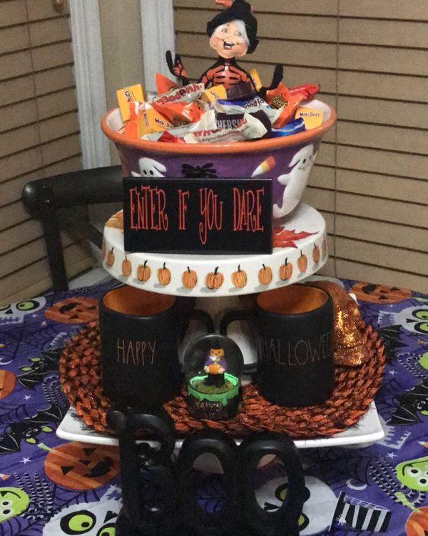 Three-Tier Tray Halloween Decor -11