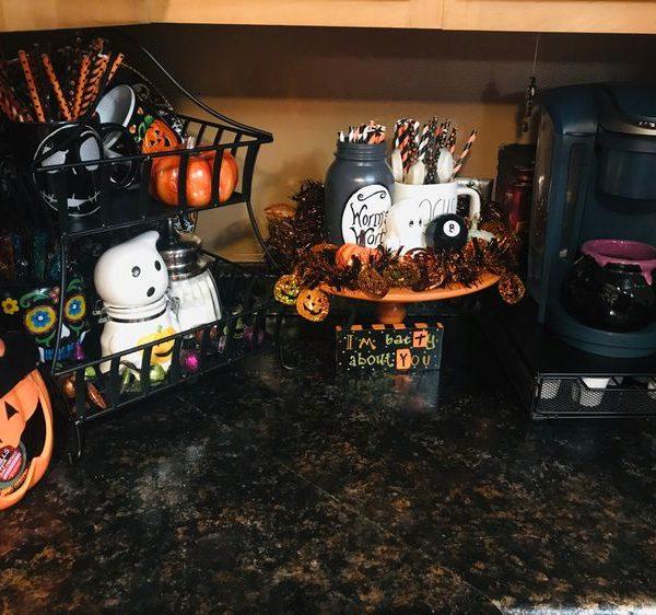 Three-Tier Tray Halloween Decor -18